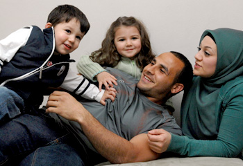 Hazam El Mazri and his family